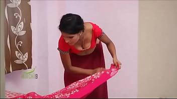 Sexy Desi girl hot boobs scene