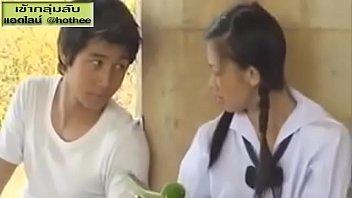 xvideos thai กว่าจะรู้เดียงสา ก็ล่อหีหนูบานแล้ว เด็กสาวคอซอง ใจแตก เจอเด็กช่าง ขี้เงี่ยน ล่อมาซั่มหี