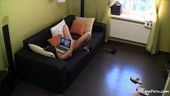 Установил вебку в комнате своей мамочки