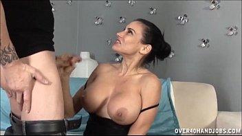 Порно девушка лижет очко трансу