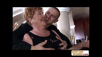 Русская порнуха сын носилует мать