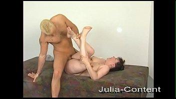 Horny Milf fucks Jean on the sex amateure