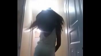 Dominicana bailando