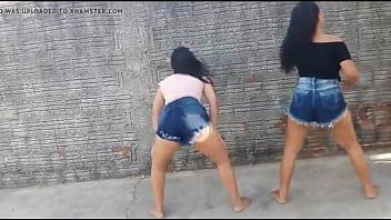 Duas Novinha gostosa Caiu na Net Dançando Funk - https://videosamadores.info/