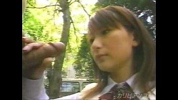 公園での日本の女子高生フェラ