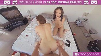 VRBangers.com مثير أمي تعليم ابنتها كيفية إرضاء صديقها