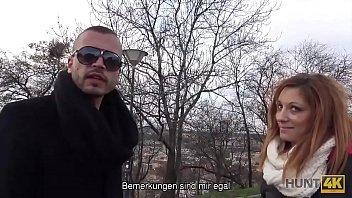 HUNT4K. أحمر الشعر مارس الجنس من أجل المال أمام صديقها