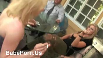 Порно фильм любительница анала с переводом