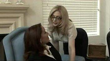 MILFs Lesbian Action Porn