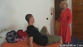 She fucks her son-in-law