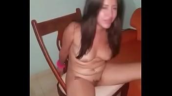 Dos venecas borrachas en un hotel chupando con nata VER COMPLETO: http://adbull.me/yQF6ZT