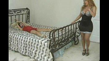 Порно с очень маленькой девачко