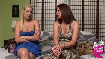 Sensual lesbains 0725