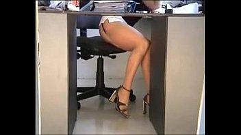 Ricas piernas - Bajo la falda