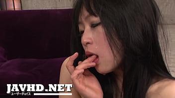 Nozomi gives an asian blow job for cum