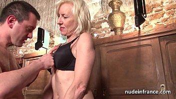 Секс с блондинкой в баре порно
