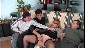 Nude big lip pussy fucking video