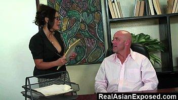 Мужик жестко отодрал свою секретаршу