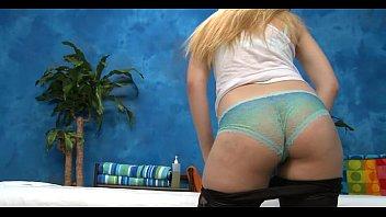 Порно фото худеньких девушек с большими жопами