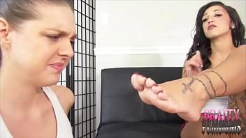 Sadie Holmes Gags On Stefania Mafra Sweaty Gym Feet