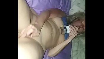 Sexy milf on bed masterbate ohmybod