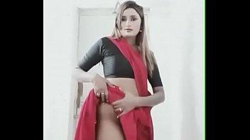 swathinaidu dress change