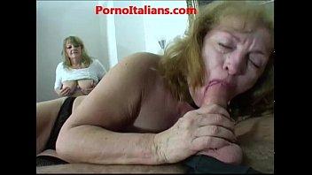 Group sex with mature sluts Sesso di gruppo con mature