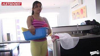 Big Booty Latin Maid Gives Full Service - Pussy Fucking