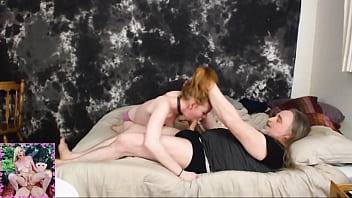 Mlada punca povleče tiča starejšemu moškemu