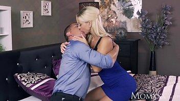 MOM Romancing a perfect blonde MILF