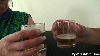 Русская мать захотела секс с мужем и сыном