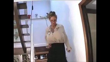 Порномама и сын большой грудью