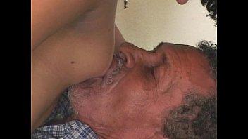 Sexo com velhos tarados transando com uma acompanhante