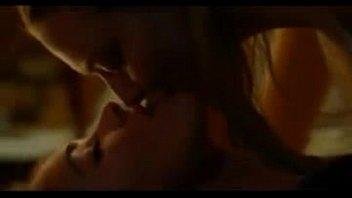 Megan Fox and Amanda Seyfried Lesbian sex scene
