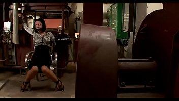 Девушка какает мужчине в рот с видео и писает