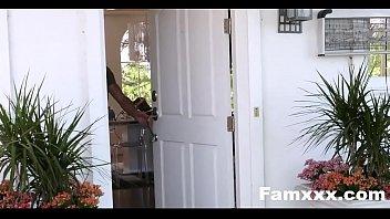 Smoking Hot Mom Bails Out Son To fuck| Famxxx.com
