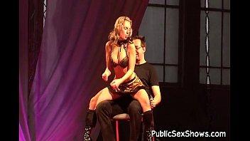 Sexy slut does hot strip tease