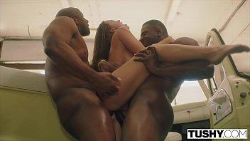 Video de sexo a três com dotados e latina boazuda