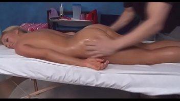 sexo gratis de Full body massage episode scene