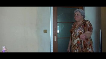 Бабушки лесбиянки ебутся двойным фаллоимитатором