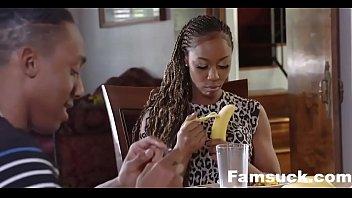 Папа с сыном ебут маму порно видео