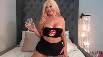 Kelley Cabbana Hot Lips Live Pussy Show