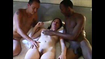 Порно онлайн поделился женой с черными