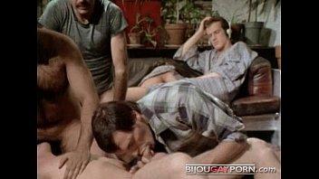 Трах зрелых волосатых геев гей порно