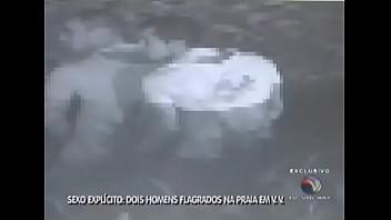 FEIRA DO CU - Homens flagrados fazendo sexo na Praia de Itaparica, Vila Velha, ES (NOTÍCIA JORNALÍSTICA)