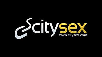 Найти девушку для секса онлайн