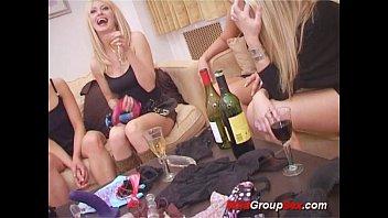 lesbian groupsex orgy - 69VClub.Com