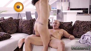 Porno Cu Buci Mari Matura Se Fute Pe Canapea