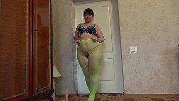 Девушка в зеленых калготках