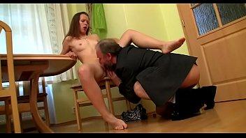 Порноролики опытные домохозяйки